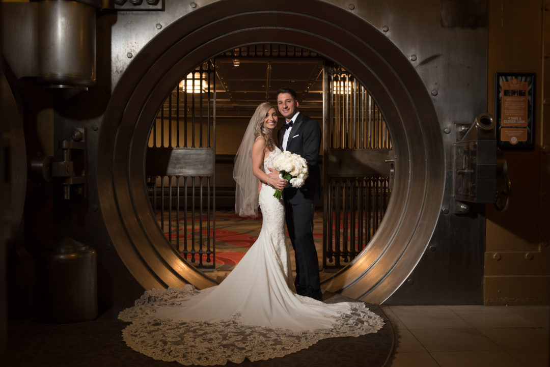 One King West, Toronto, wedding photos, Wedding Photography, One King west wedding, Bank Vault